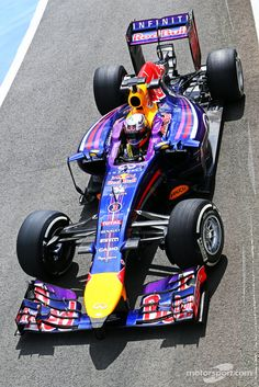 Daniel Ricciardo, Red Bull Racing RB10 | Main gallery | Photos | Motorsport.com