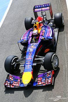 Daniel Ricciardo, Red Bull Racing RB10 | Main gallery | Photos | Motorsport.com