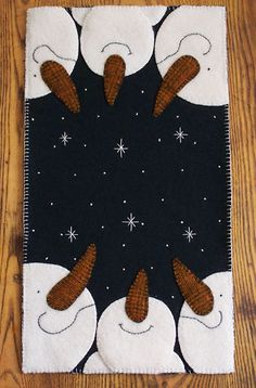 Oh Snowy Night! Wool Applique Penny Rug PATTERN
