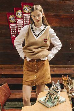 beyondcloset by tae yong Chic Outfits, Trendy Outfits, Girl Outfits, Preppy Outfits For School, Estilo Preppy, Korean Street Fashion, School Fashion, Preppy Style, Fashion Looks