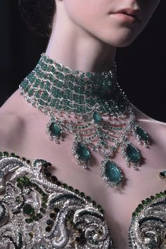 Guo Pei Fall 2017 Couture Fashion Show Details Couture Fashion, Fashion Show, Fashion Pics, Fashion Details, Guo Pei, Slytherin Aesthetic, Princess Aesthetic, Fancy, Mode Outfits