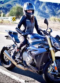 Hot women in motorcycle leathers. Now accepting submissions! Motorbike Girl, Motorcycle Bike, Motorcycle Girls, Lady Biker, Biker Girl, Rockabilly Cars, Futuristic Motorcycle, Hot Bikes, Biker Chick