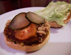 Vegetarische Burger mit Röstzwiebeln