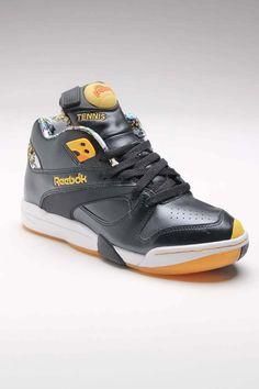 buy popular 51845 f2ba1 Reebok Court Victory Pump Black Orange Yellow Casual Man, Oldschool, Jack  Threads