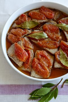 Эскабече из тунца с томатами