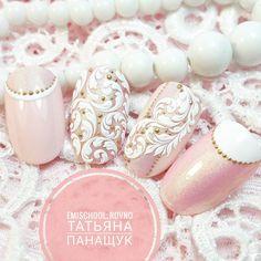 """Polubienia: 424, komentarze: 14 – E.Mi School Ровно, Украина (@emischool_rovno) na Instagramie: """"Только 19 сентября курс """"Свадебный Emi-manicure"""" со скидкой 20% Самые нежные и модные дизайны…"""""""