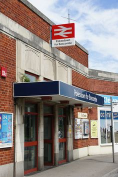 Pokesdown for Boscombe railway station (Pokesdown Station), Christchurch Road, Pokesdown, Bournemouth, Dorset by Alwyn Ladell, via Flickr