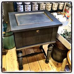 #ChalkPaint by #NordicChic Grey is #Slate and gold is #Goldfinger