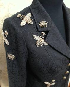 140 отметок «Нравится», 2 комментариев — maria novikova (@novikova__maria_) в Instagram: «Жужужу))) работа для #@magia_modi_stavropol…» Couture Details, Fashion Details, Fashion Design, Stylish Clothes For Women, Trendy Outfits, Punk Fashion, Fashion Outfits, Womens Fashion, Punk Mode