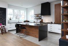 White, black and wood | Cuisines Steam @cuisinesteam