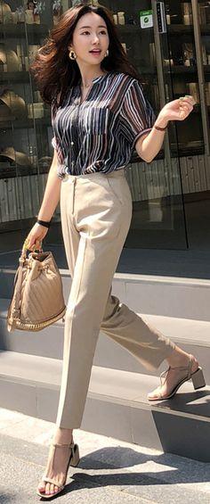 StyleOnme_Linen-Cotton Blend Slim Fit Slacks #beige #dresspants #slacks #elegant #workwear #feminine #koreanfashion #kstyle #kfashion #springtrend #officelook
