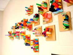 Paper sculptures. Gjort av kastade pappersremsor och kartongbitar i de lägre årskurserna.