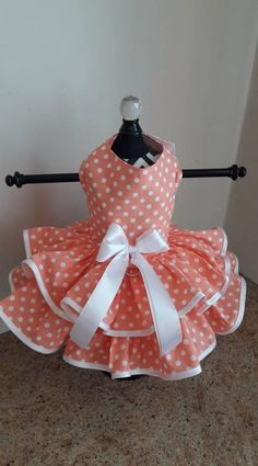 PLEASE MAKE YOUR PAYMENY USING PAYPAL ONLY (I CANT UPGRADE MY EUROPEAN BANK INFO eTSY HAVE TO WORK ON IT ) Dog Dress Designed and Made by Ninas Couture Closet - Made out of high quality cotton - The top is lined with cotton fabric so its soft for your babies - Its double skirted -