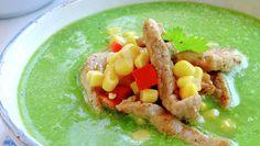 Grønn suppe med svinekjøtt Avocado Toast, Hummus, Food Inspiration, Thai Red Curry, Risotto, Protein, Dinner, Fruit, Breakfast