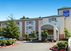 Sleep Inn SeaTac Airport offers free continental breakfast, parking, local calls, newspaper and WiFi! free 24-hour airport transportation and transportation to any attraction within a 3 mile radius. Located less than 2 miles south of Seattle-Tacoma International Airport and Seatac Link Light Rail Station.