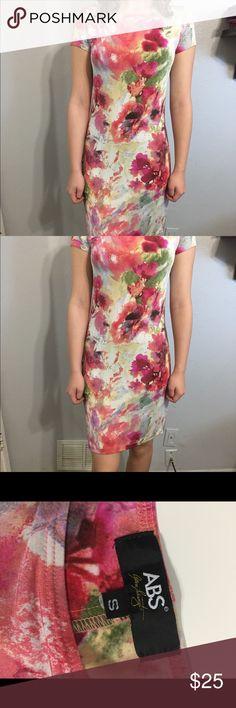 Floral Dress from ABS by Allen Schwartz Gently used flora dress from ABS. Dress comes in size s petite. ABS Allen Schwartz Dresses Midi