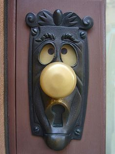 Kid's Bedroom Door Handle. I don't like theories Alice in Wonderland but it is a cool door handle
