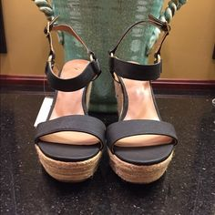 Merona NWT platform shoe size 10 NWT shoe has a 5 in platform with ankle strap closure Size 10 tag attached no flaws Merona Shoes Platforms