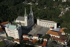 Basílica de Nossa Senhora do Rosário e do Castelo dos Arautos | Construído há menos de 10 anos este é o principal de 3 complexos da irmandade católica dos Arautos na Serra da Cantareira