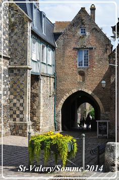 St-Valéry, Baie de Somme Fief, Saint Valery, Beauvais, Amiens, Ville France, Timber Frames, Excursion, Belle Photo, Vintage Posters