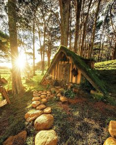 [New] The 10 All-Time Best Home Decor (in the World) - Are you coming? Zen, House Drawing, Forest House, Tiny House Living, Fairy Houses, Tree Houses, Cottage Design, Cabins In The Woods, Green Life