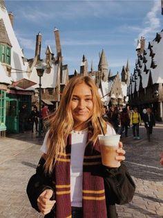 Harry Potter world Disney Harry Potter Universal, Universal Orlando, Harry Potter World, Universal Studios, Studio Portraits, Hdr Photography, Photography Tutorials, Photography Degree, Disney World Trip
