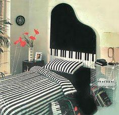 Piano overload much? We bet you all know some people like this in your lives… Music Bedroom, Bedroom Bed, Bedroom Decor, Bedroom Ideas, Music Crafts, Music Decor, Piano Art, Piano Music, Dream Music