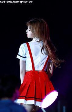 170915 롯팸프리뷰 Nayeon, Kpop Girl Groups, Korean Girl Groups, Kpop Girls, Twice Album, Sana Minatozaki, Twice Sana, K Pop Music, Lovely Smile