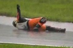 Moto GP: un pilote simule un évanouissement