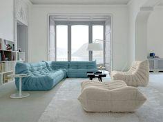 Style de canapé ne pas tenir compte de la couleur bleu, qui permettrait plus d'assises faute d'accoudoir.