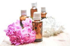 Les fleurs de Bach appelées également Élixirs floraux sont célèbres pour leurs propriétés homéopathiques. À l'origine, il s'agit d'un mélange floral de trente-h