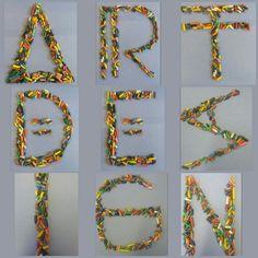Collage 2, letters gemaakt van potloodpunten