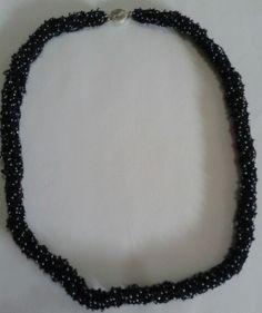 Neutro - Mostacilla tejida cadeneta crochet
