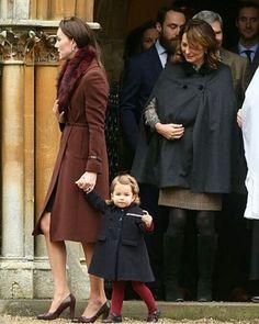 Who else is in love with Catherine's outfit today?❤ #weadmirekatemiddleton #lifeofaduchess #duchessofcambridge #weadmireprincesscharlotte #weloveyoulittlegirl