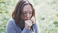 Vervelende kriebelhoest? Dít is hoe je ervan af komt!