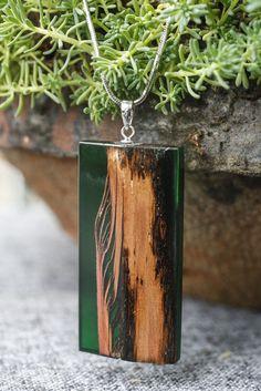 wood necklace handmade DIY.柏木,树脂。手作项链。