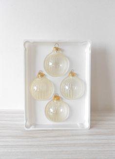 white christmas glitter glass ball ornaments