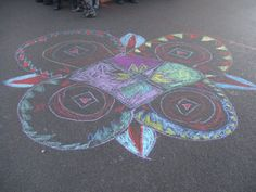 Brilliant idea for art outside! Chalk Rangoli Patterns For our topic on India we made lots of different Rangoli patterns using lots of different techniques. This was our chalk rangoli patterns that we drew in the playground. Berkeley Primary