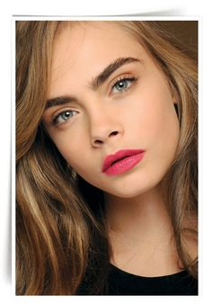 Style - Minimal + Classic: Cara/pink lips