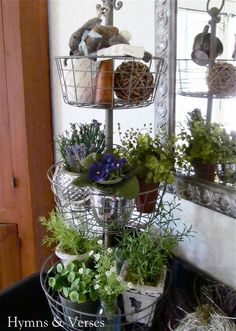 We're Lovin this DIY idea for the home garden that's low on space!