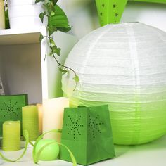 #greenery #couleurdelannee #skylantern #maya #boulejaponaise Sky Lanterns, Greenery, Maya, Table Lamp, Paper, Home Decor, Color Of The Year, Homemade Home Decor, Decoration Home