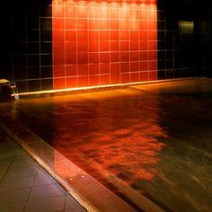 日本全国にリゾートホテルや温泉旅館を展開している「星野リゾート」。そのオシャレで贅沢な空間は、今や女子の憧れの的となっています。そんな、さまざまなタイプのホテルライフが楽しめる星野リゾートを、目的別に紹介します。