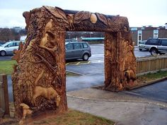 Chainsaw carved Park Entrance - Tommy Craggs Tree Sculpting