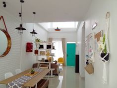 "Inspirasi ""Rumah Nugroho"": Dekorasi Ajaib Khusus Lahan Sempit | IDN Times"