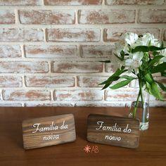 Plaquinhas de mesa mini porta-retrato, ideal para marcadores de mesa reservada e também mesa de doces, indicando os sabores dos docinhos.