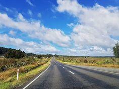 Let's go on an adventure! #newzealand #ontheroad #car #roadtrip #adventuretime #theendoftheworld #couplegoals #dreams #cotamwpodrozy