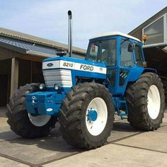 Ford 8210 4x4 Big Tractors, Ford Tractors, John Deere Equipment, Heavy Equipment, New Holland Ford, Agriculture Tractor, Lawn Mower Tractor, Classic Tractor, Vintage Farm