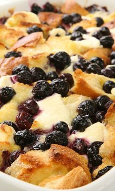 Guests in town for the weekend? Try this crowd pleasing and easy blueberry French toast casserole.