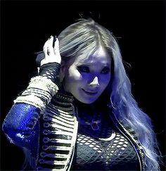 Queen CL. 4/4