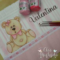Textiles, Kids Fashion, Bear Paintings, Cute Paintings, Paper Bags, Needlepoint, Manualidades, Fabrics, Textile Art